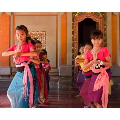 Dance Lessons at Ubud Palace